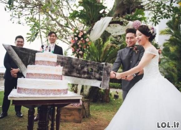 Labai keistų vestuvinių nuotraukų galerija [20 FOTO]