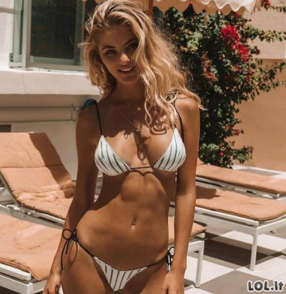 Karštos merginos dėvi bikinius (30 foto)