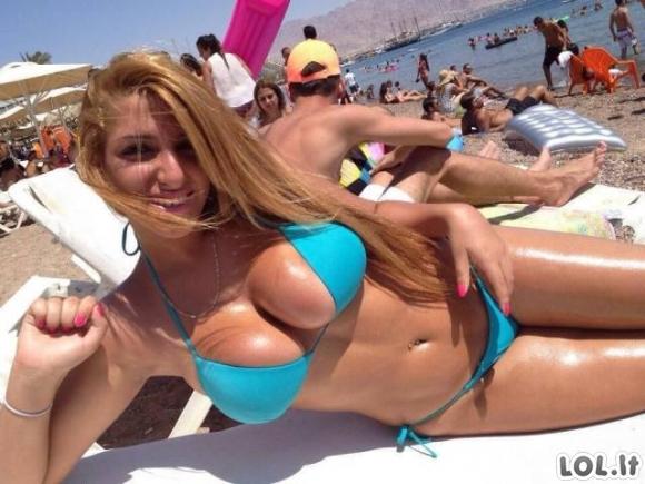 Karščiausios merginų nuotraukos su bikini (36 nuotraukos)
