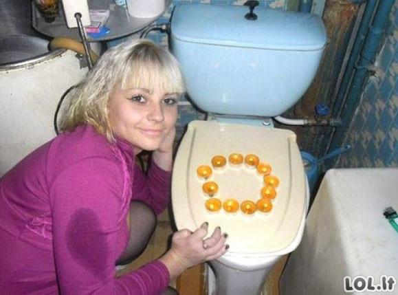 Kvailiausios merginų nuotraukos, kuriomis jos prisidarė didelės gėdos internete