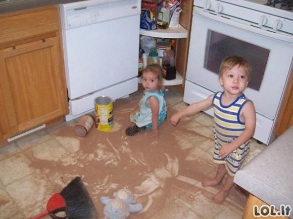 Kaip iš tikrųjų atrodo gyvenimas turint vaikų [kasdienybės nuotraukų galerija]