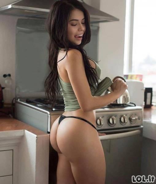 Seksualios namų šeimininkės (22 nuotraukos)