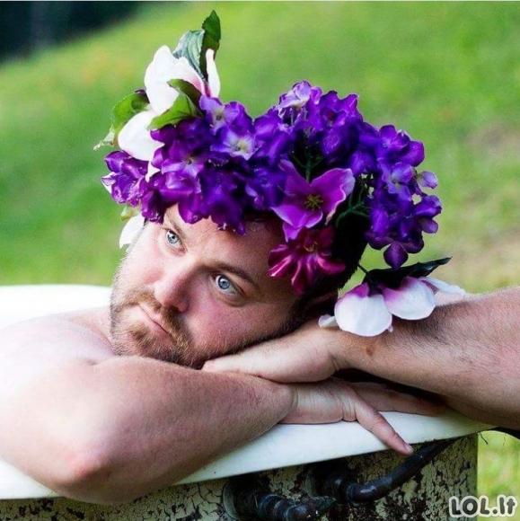 Vyrai darosi nuotraukas pagal moteriškus standartus (25 foto)