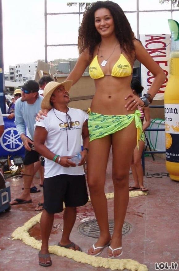 Neįtikėtinai aukštos merginos [GALERIJA]