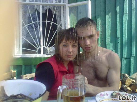 Absurdiškiausios rusų vienišių ir porelių nuotraukos [GALERIJA]