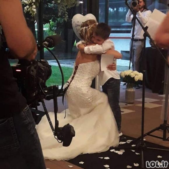 Mergina, kuri sėkmingai ištekėjo - už savęs!
