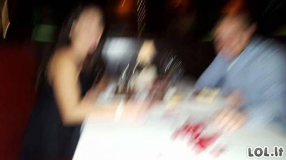 Kai paprašai praeivių, kad tave nufotografuotų (31 nuotrauka)