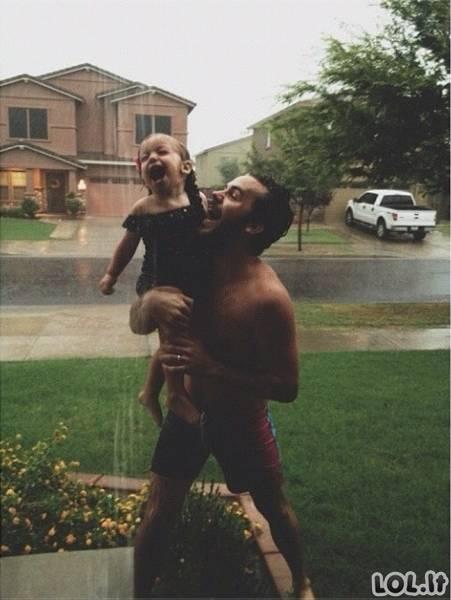 Tėčiai myli savo dukras [GALERIJA]