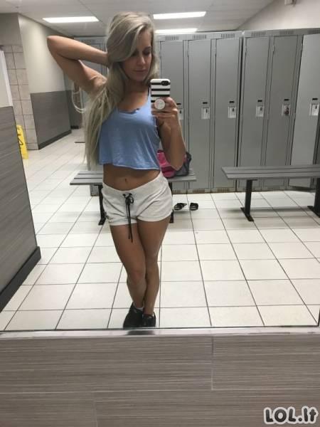 Karštos merginos ir labai trumpi šortukai (73 foto)