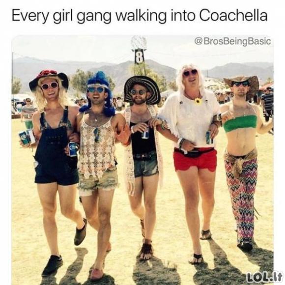 Vaikinai puikiai parodijuoja merginas socialiniuose tinkluose (50 nuotraukų)
