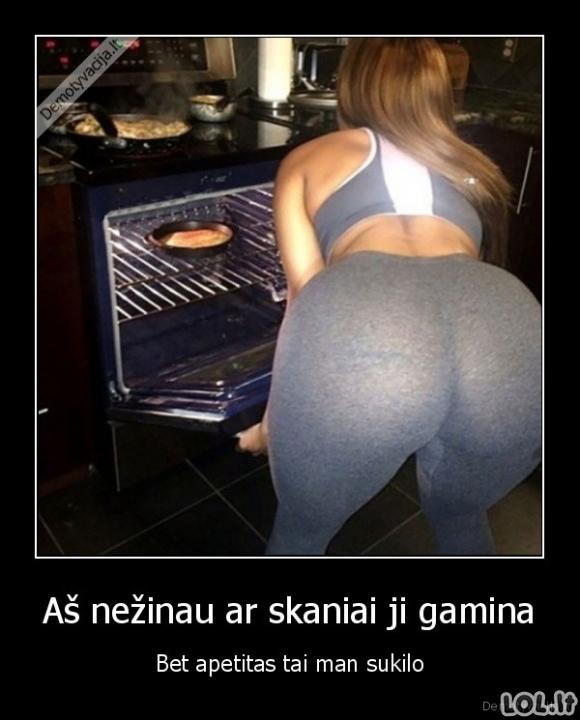 Moteris virtuvėje