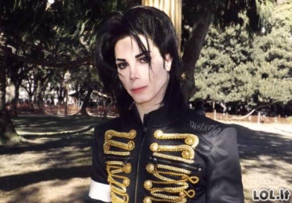 Jis išleido 28 tūkst. dolerių, kad atrodytų kaip Džeksonas