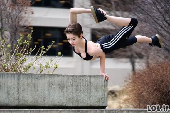 Itin lanksčios merginos, kurių lankstumas net gąsdina [GALERIJA]