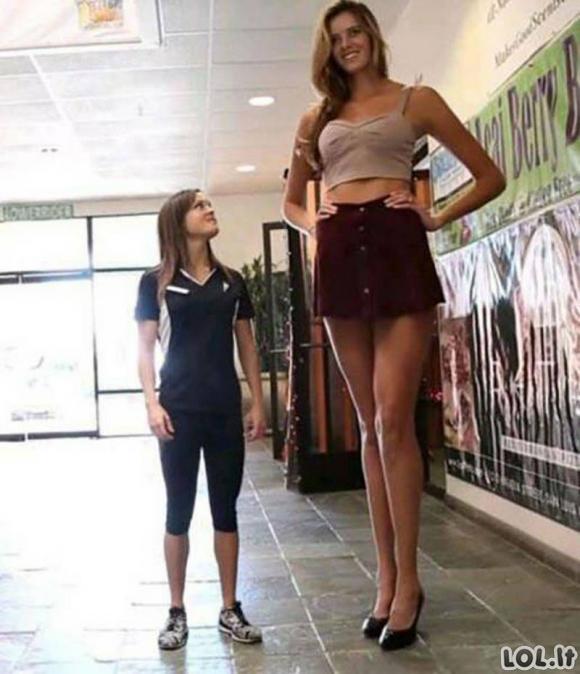 Merginos, kurios tikrai stebina savo ūgiu [GALERIJA]