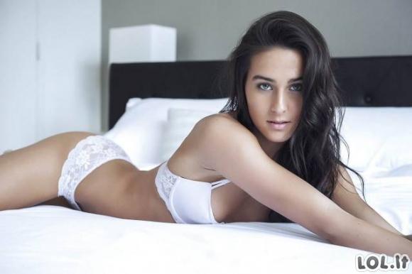 Merginos vilki seksualius apatinius [GALERIJA]