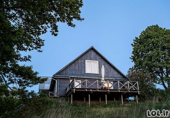 Pora nusipirko apleistą namą kaime ir pavertė jį savo svajonių namais [GALERIJA]