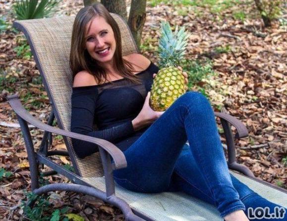 Merginos ir ananasai [GALERIJA]