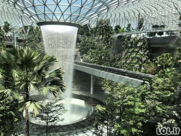 Singapūre pastatytas unikalus oro uostas, neturintis jokių analogų pasaulyje [GALERIJA]