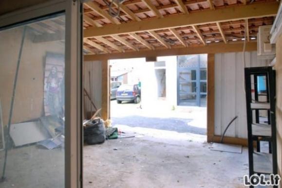 Vienas vaikinas pasakė draugams, kad kraustysis gyventi į garažą, o šie pradėjo laikyti jį kvailiu [GALERIJA]