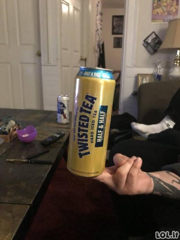 Keisčiausi būdai laikyti gėrimus [GALERIJA]