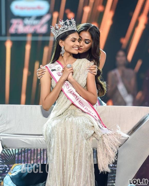 Miss Indija konkurso dalyvių nuotrauka prajuokino internetus: Argi konkurso dalyvės neatrodo identiškai?