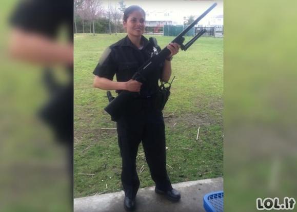 Seksualiausia policininkė pasaulyje, kurią pamatę vyrai tik ir svajoja apie antrankių uždėjimą
