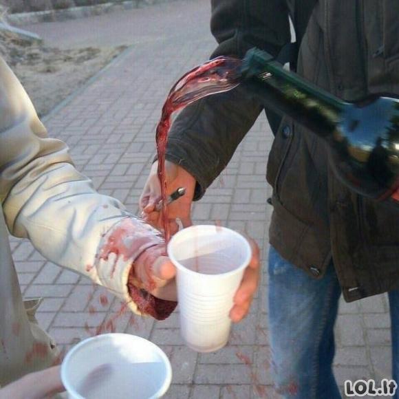Ir viskas baigiasi tokiomis alkoholio pasekmėmis.. [GALERIJA]