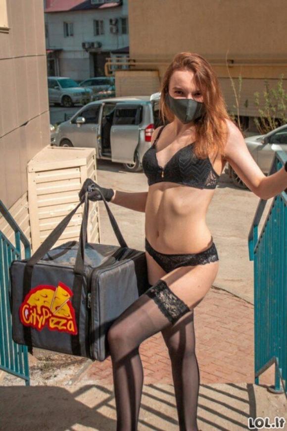 Stiptizo šokėja neteko darbo dėl karantino, tačiau įsidarbino maisto kurjere