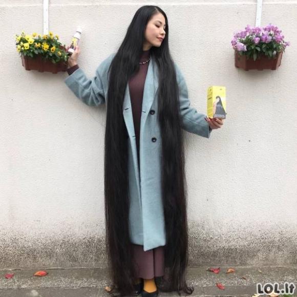 Rapunzelė realybėje - japonė, turinti 2 metrų ilgio plaukus [GALERIJA]