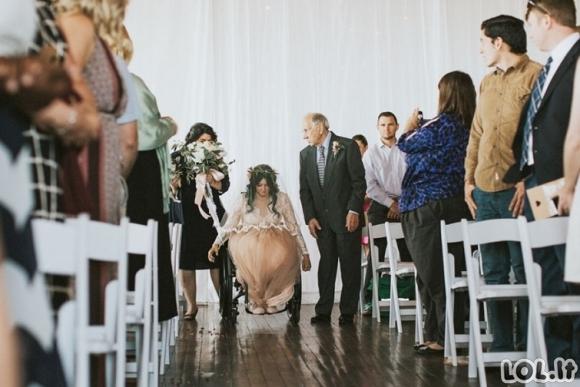Paralyžiuota nuotaka savo netikėtu poelgiu nustebino visus vestuvių svečius