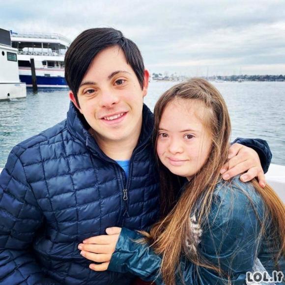 Prieš 15 metų gydytojai tėvams siūlė išsižadėti šios mergaitės dėl Dauno sindromo, tačiau šiandien mergaitė atrodo taip