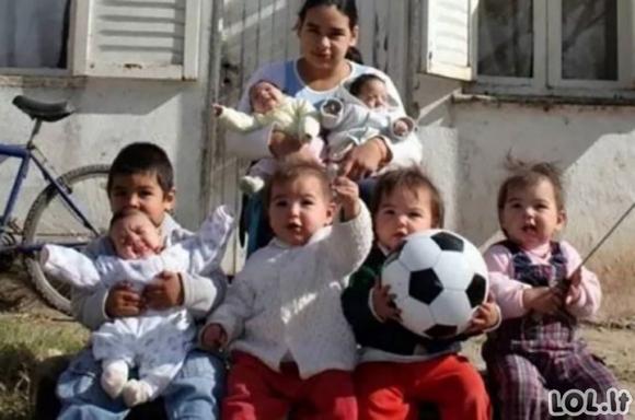 Viskas prasidėjo nuo 17-os metų, kai ji tapo mama, o šiandien ji augina 7 vaikus viena