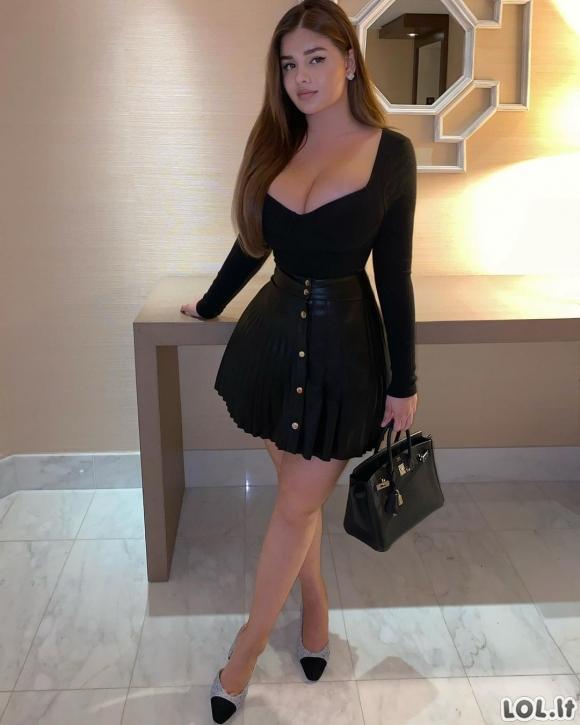 Ši mergina - rusų Kardashian