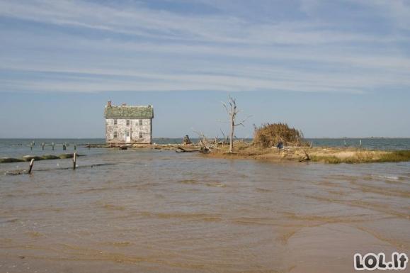 Namai, kuriuose gyvenantys žmonės visiškai izoliavosi nuo pasaulio