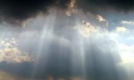 Apie dangų, pokštininką vyrą, uošvę ir šunį