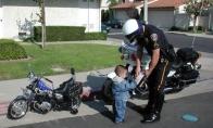 Apie policininką, DJ'us ir kiti