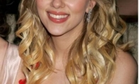 Kas nutiko Scarlett Johansson krūtinei