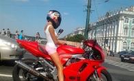 Motociklus mėgstanti mergina Ema