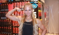 Seksuali rankų lenkimo čempionė iš Suomijos
