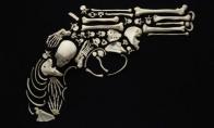 Menas iš žmogaus kaulų