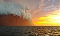 Keista raudona banga prie Australijos krantų