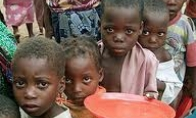 Badaujantys Afrikos vaikai