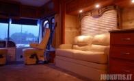 Liuksiškas autobusas