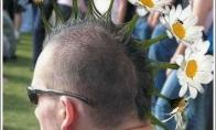 Keistos šukuosenos