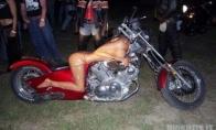 Motociklas kuris atkrėipia dėmesį