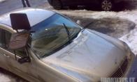 Nestatykite mašinos po langais! Nes ir Jums gali taip atsitikti (5 nuotraukos)