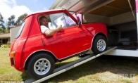 Nedidelis automobilis jaunavedžiams (4 nuotraukos)