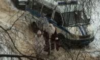 Kalėdų Senelis su snieguole keliauja štai taip (4 nuotraukos)