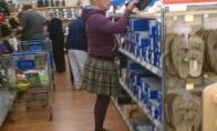 Pirkėjai JAV parduotuvėse (33 nuotraukos)