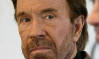 Chuckas Norrisas yra moteris?